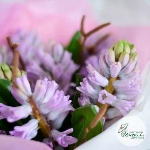Весенний букет из гиацинтов