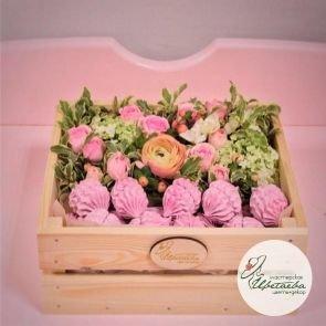 Цветочный ящик со сладостями от #СчастьЕсть