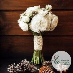 Классический свадебный букет белого цвета c доставкой в Томске