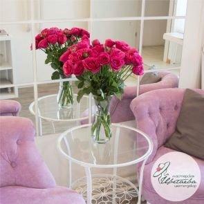Оформить квартиру цветами