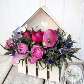 Домик для цветов