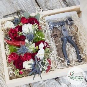 Мужской подарок с инструментами из шоколада c доставкой в Томске