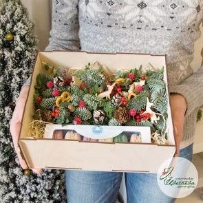 Новогодняя коробочка с макарунс