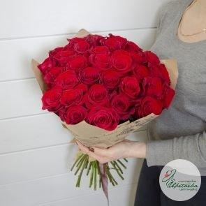Букет из 31 красной розы Эквадор c доставкой в Томске