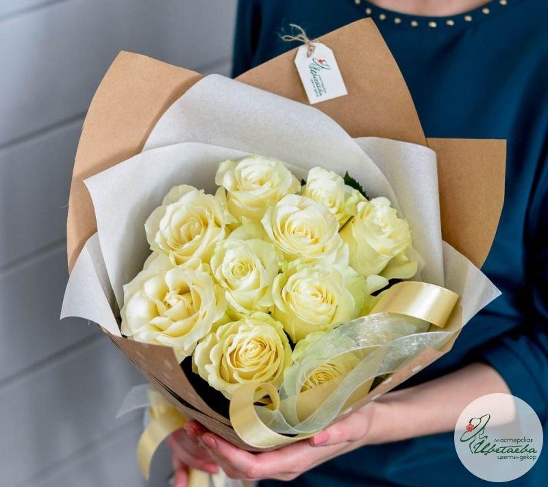 букет из 11 белых роз первая