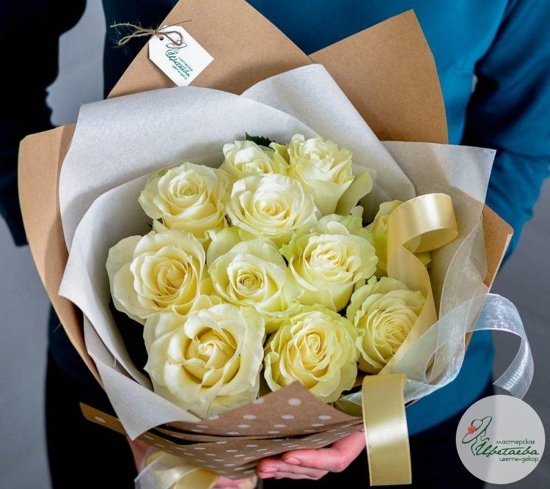 букет из 11 белых роз вторая