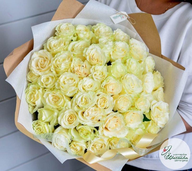 букет из 101 белой розы основная