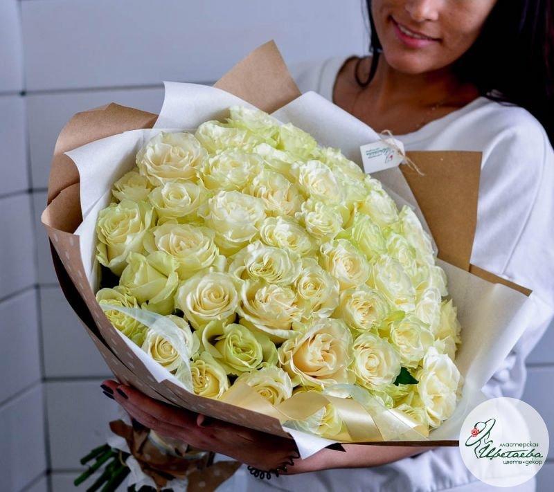 букет из 51 белой розы основная
