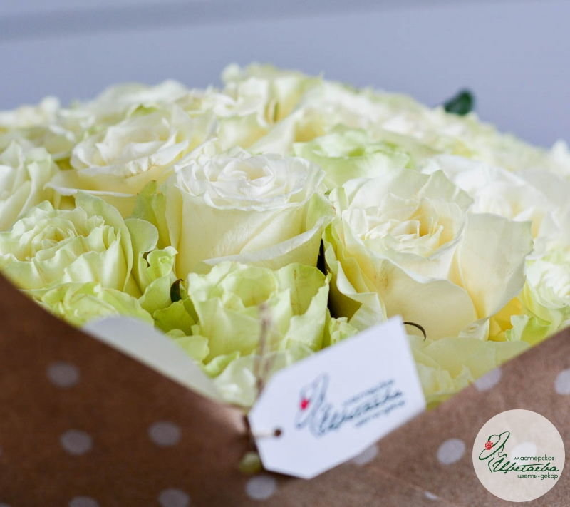 букет из любого количества белых роз ярлык