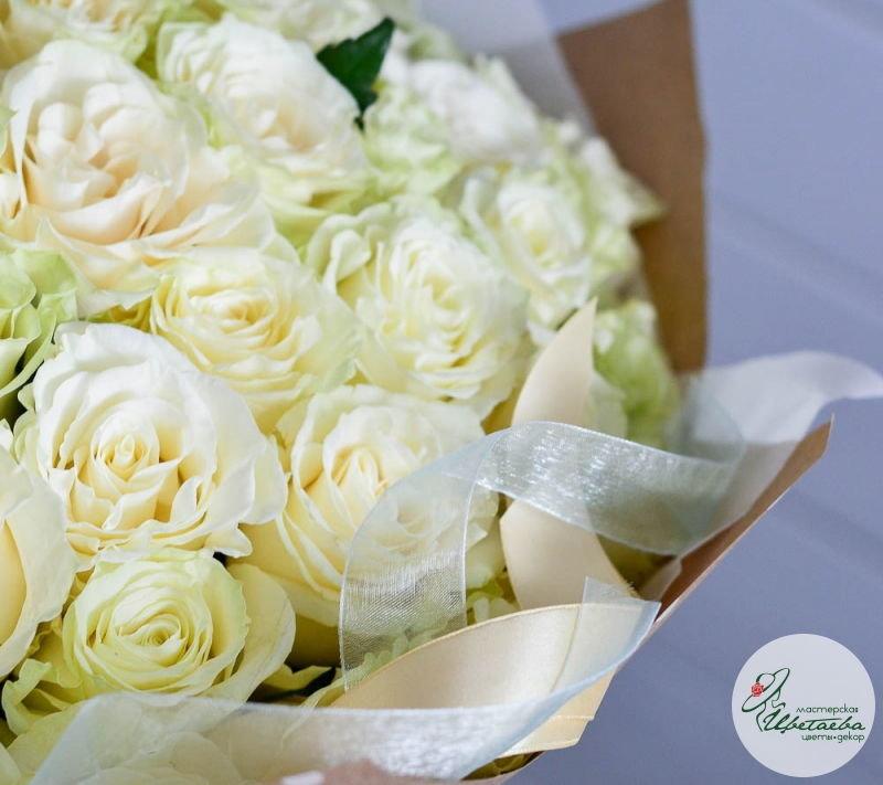 Букет из любого количества белых роз (цвет на выбор)