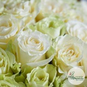букет из 11 белых роз макро