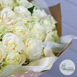 Букет из любого количества белых роз (цвет на выбор) c доставкой в Томске