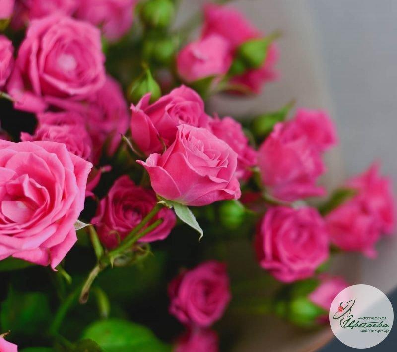 купить букет из 9 розовых кустовых роз