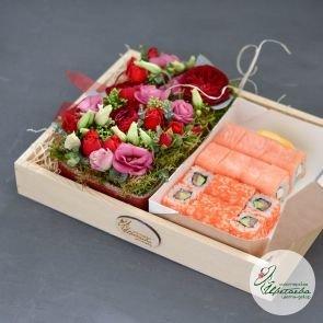 Набор с цветами и роллами c доставкой в Томске