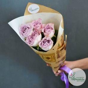 подарить букет из 5 роз недорого