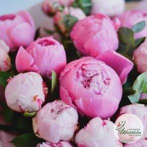 Огромный букет розовых пионов c доставкой в Томске