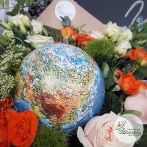 Дополнительные фотографии к товару - Букет с глобусом