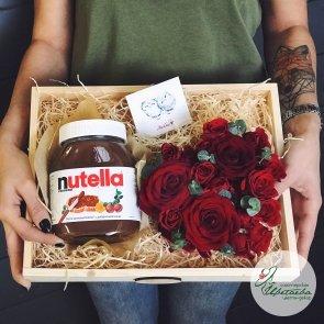 Композиция «Сердце» с орехово-шоколадной пастой Nutella c доставкой в Томске