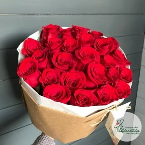 Букет из 25 элитных красных роз Эквадор c доставкой в Томске