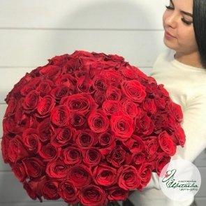 Букет из 101 элитной красной розы Эквадор