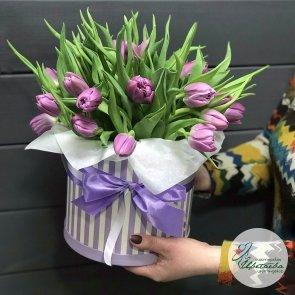 Шляпная коробочка тюльпанов «Дарю весну!» c доставкой в Томске