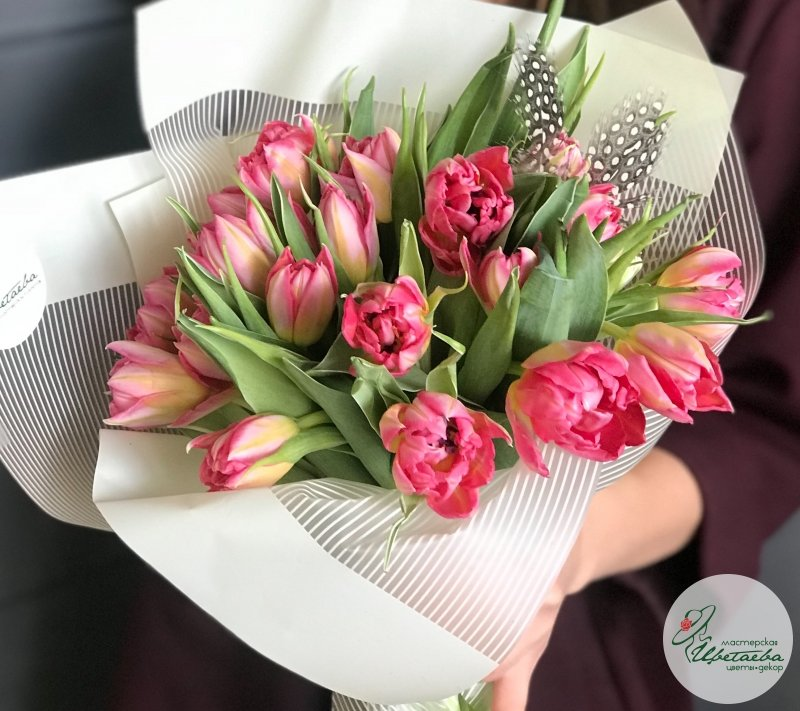 Букет из 21 пионовидного тюльпана (наличие цвета уточняйте)