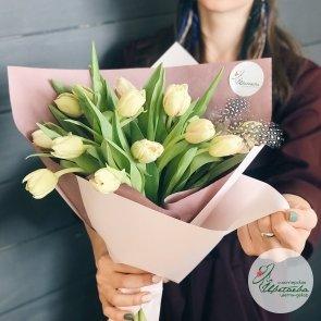 Букет из 15 пионовидных тюльпанов