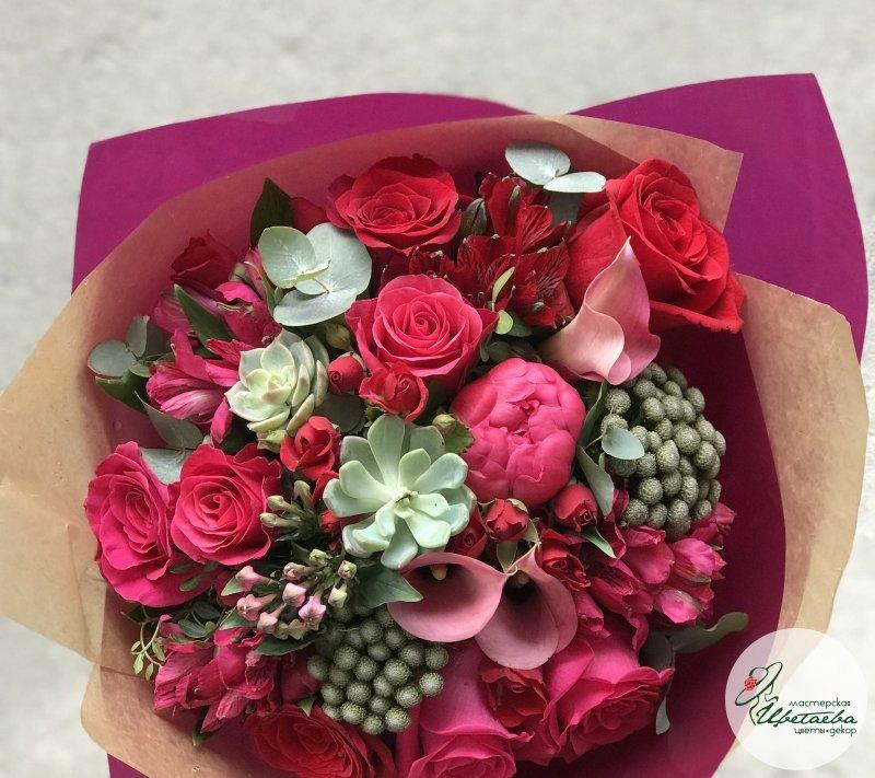 Букет «Кармен» с красными цветами