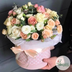 Коробка с цветами «Персиковая»