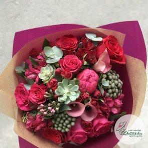 Букет «Кармен» с красными цветами c доставкой в Томске