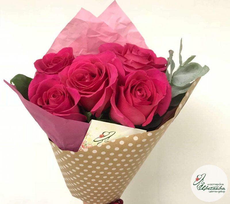 7 роз в крафте