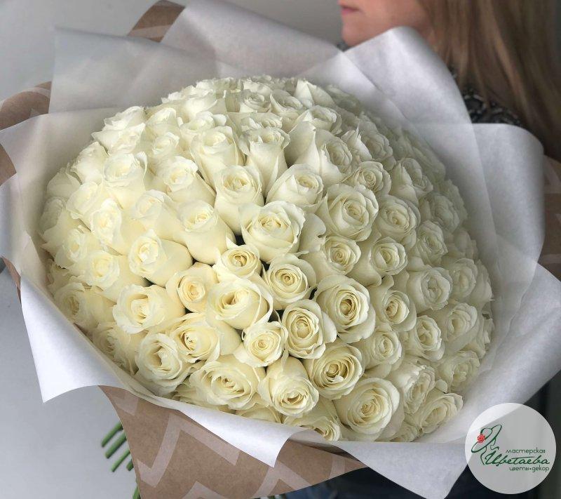 101 белая роза 70 см