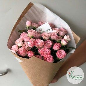 7 кустовых роз