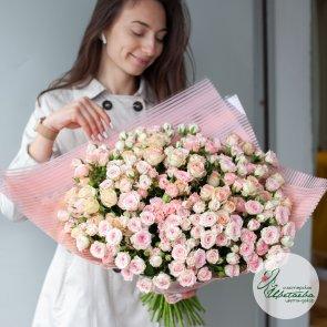 50 кустовых роз c доставкой в Томске