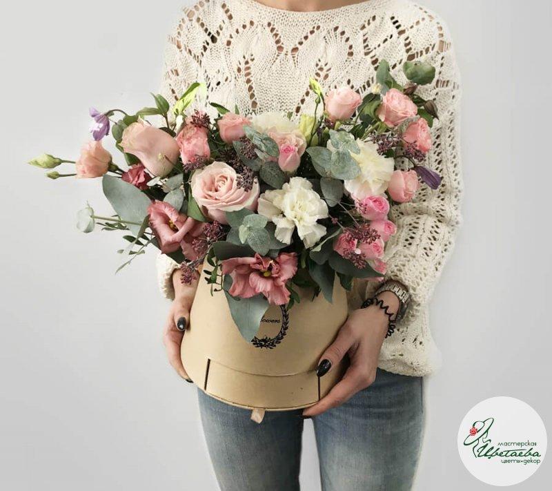 Композиции из цветов и сладостей
