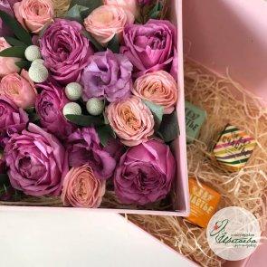 Боксы с цветами и сладостями