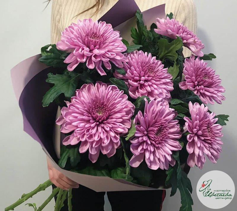 Букет хризантем к 8 марта