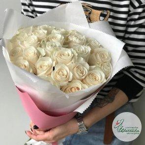 Букет нежно-белых роз