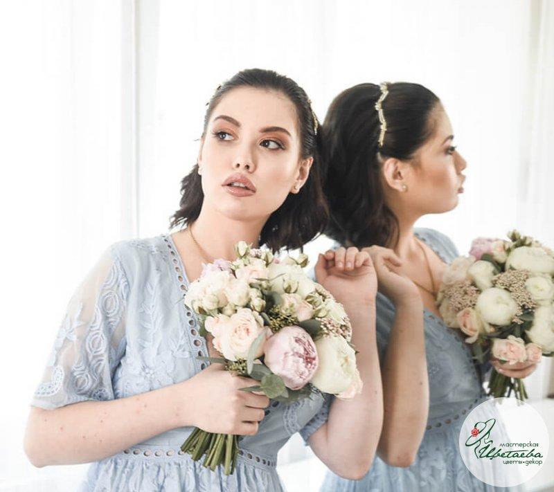 Букет невесты и бутоньерка жениха